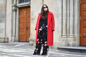 Outfit: Mein liebster Trend des Winters – der rote Mantel