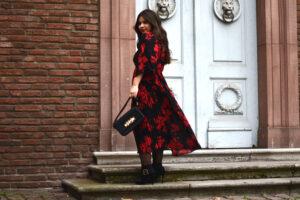 """Outfit: Über mein Midi Dress, die Farbe Rot und das """"C'est la vie"""""""