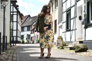 Outfit: verliebt in mein Zitronen Kleid, Volants und das Riviera-Gefühl