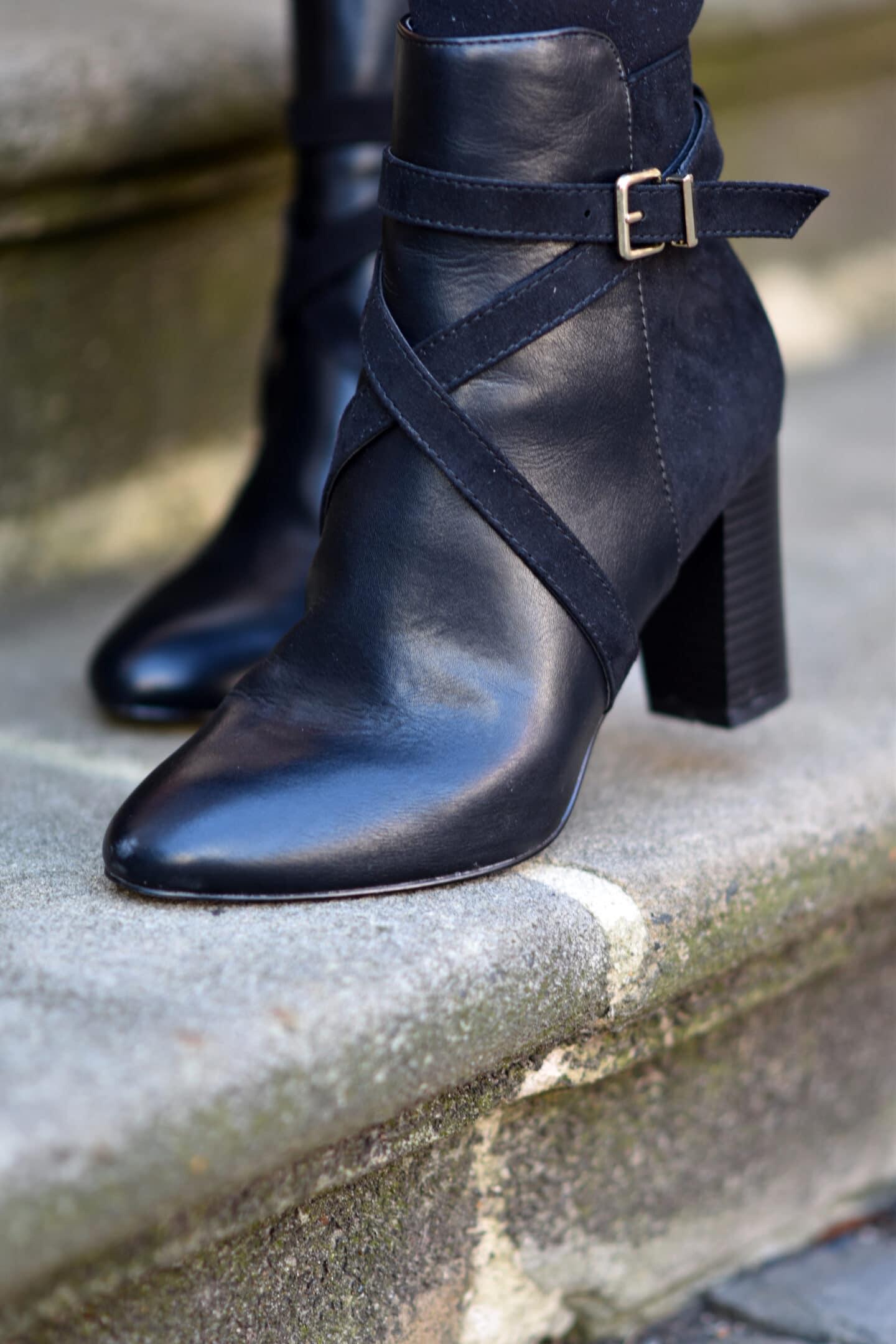 Details Boots