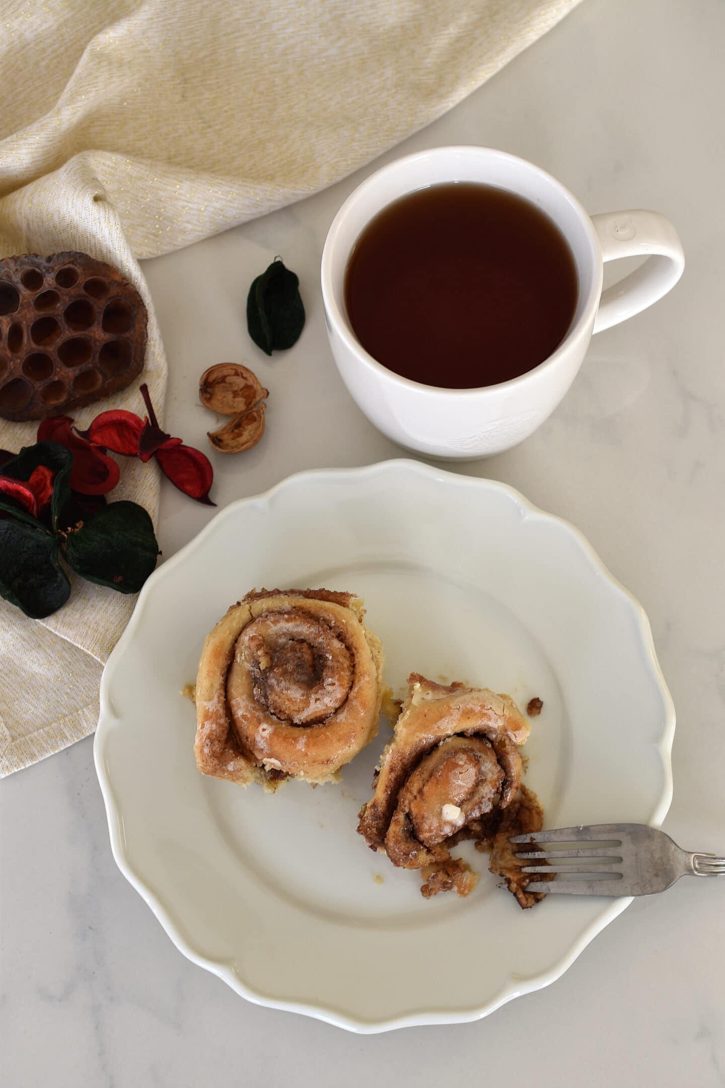 Zimtschnecken wie vom Kaffeehaus-Riesen - feucht, lecker & kalorienarm