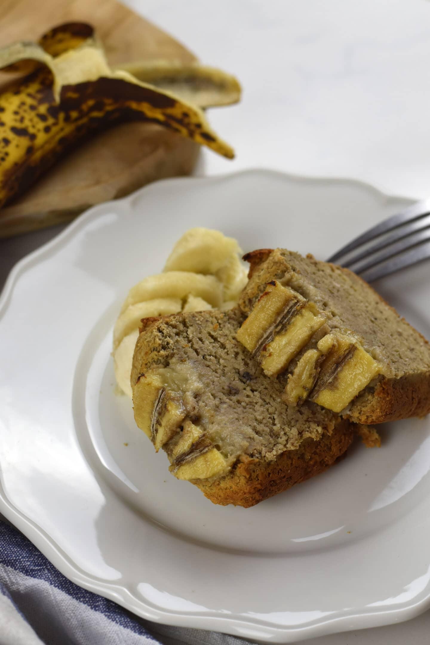 Veganes Banana Bread - gesunder Kuchen ohne zugesetzten Zucker!
