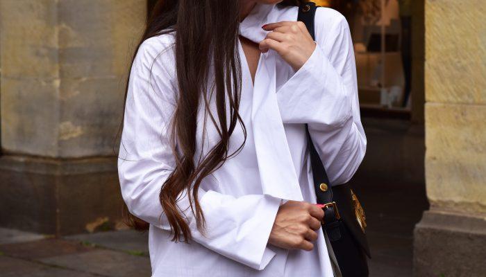 Blusen-Trend im Herbst: der auffällige Kragen im französischen Look