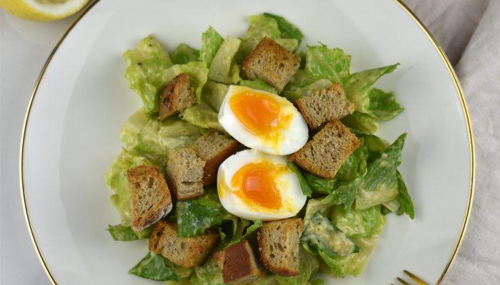 Caesar Salad – das amerikanische Original mit Parmesan & Sardinen