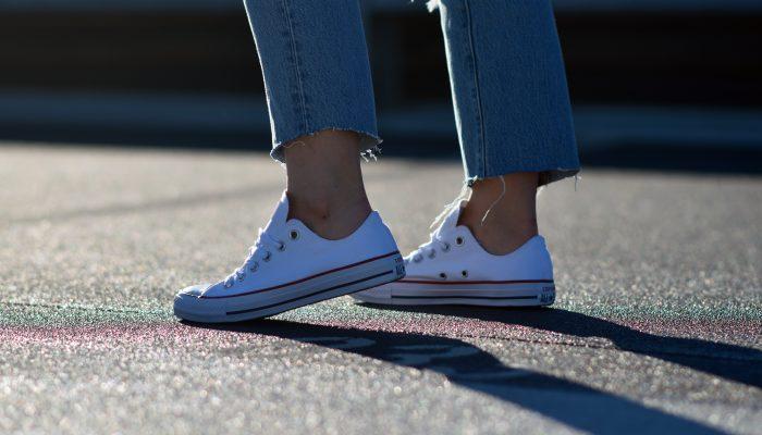 Outfit: die Converse Chucks sind als Trendschuh 2019 zurück