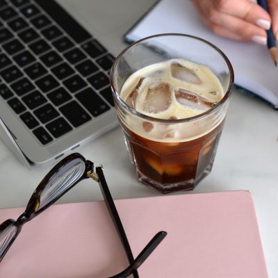 Gesund essen im Home Office – Tipps & Tricks um am Ball zu bleiben