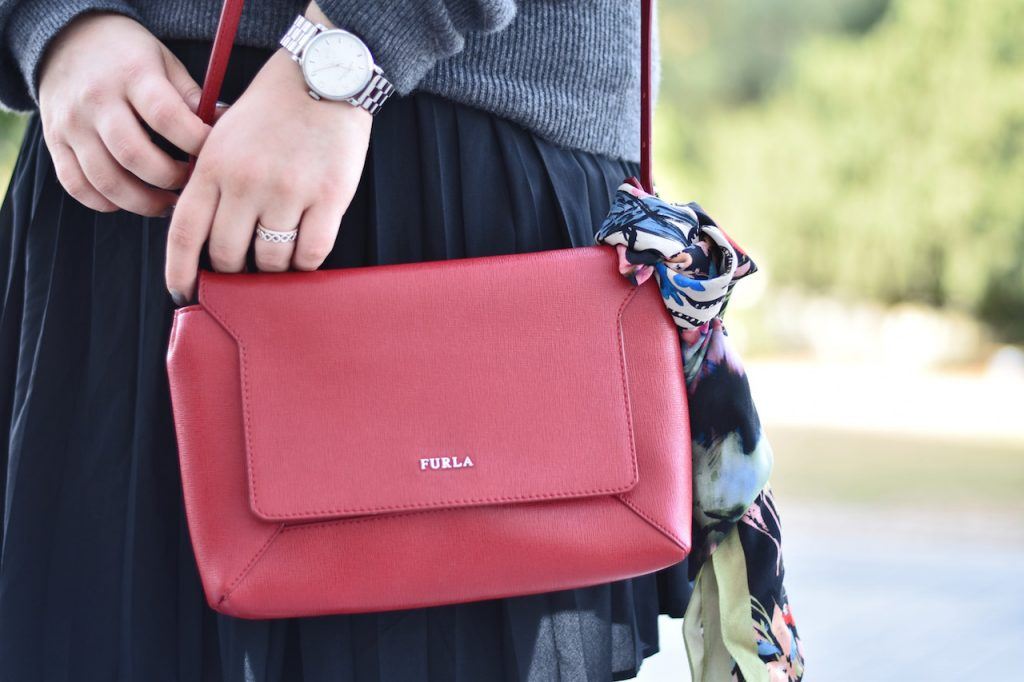 details-outfit-furla-tasche