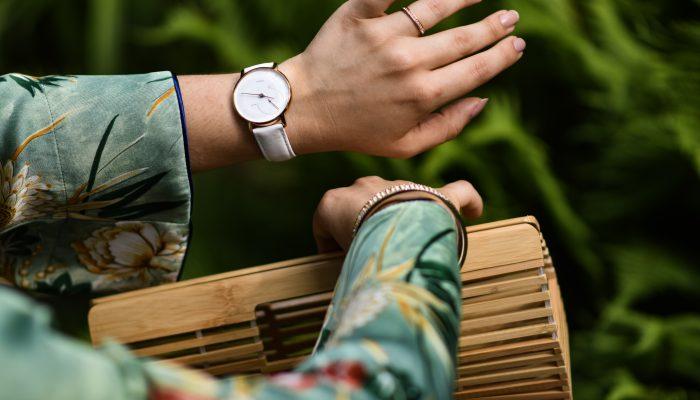 Outfit: Kimono, Seidentop und Jeans Shorts im (Großstadt) Dschungel