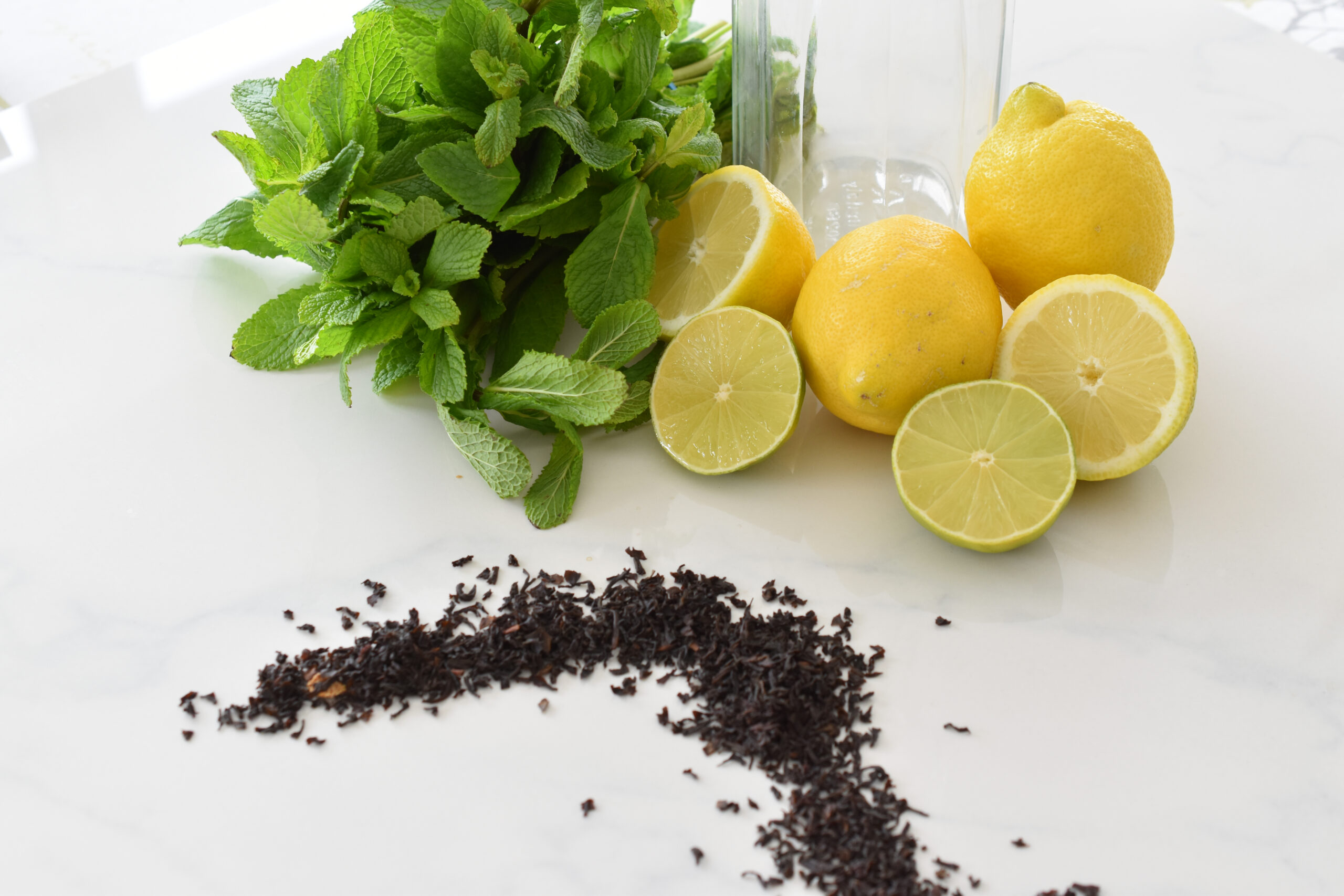 Eistee ohne Zucker selber machen - die kalorienarme Erfrischung im Sommer