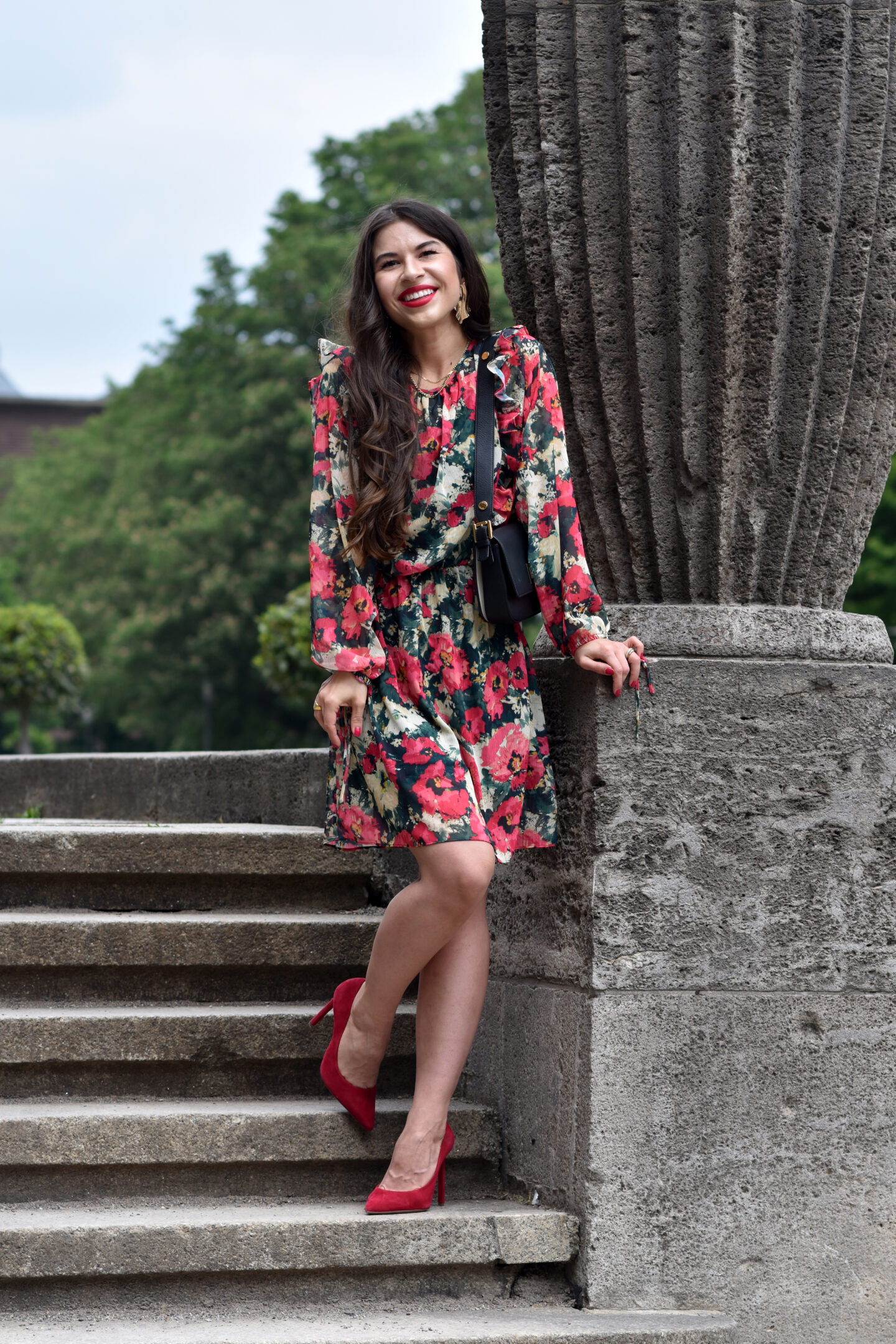 Das elegante Blumenkleid - ein modischer Evergreen im Sommerlook