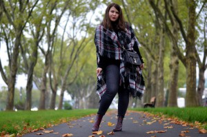 Herbst-Look: Outfit mit Poncho