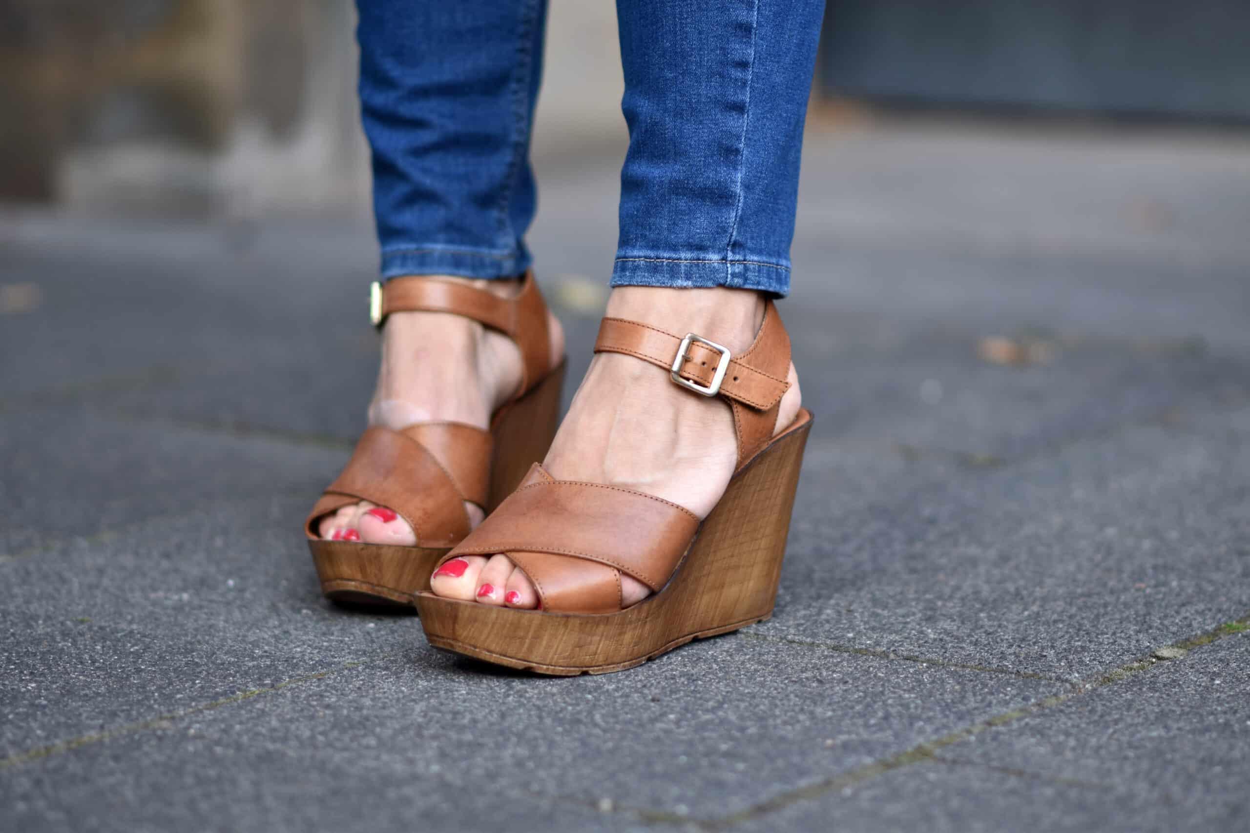 Sandale mit Wedge Absatz