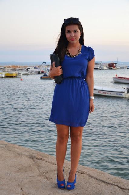 Keep life simple – und manchmal begeistert auch ein blaues Kleid