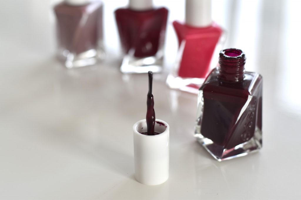 Review Essie Gel Couture