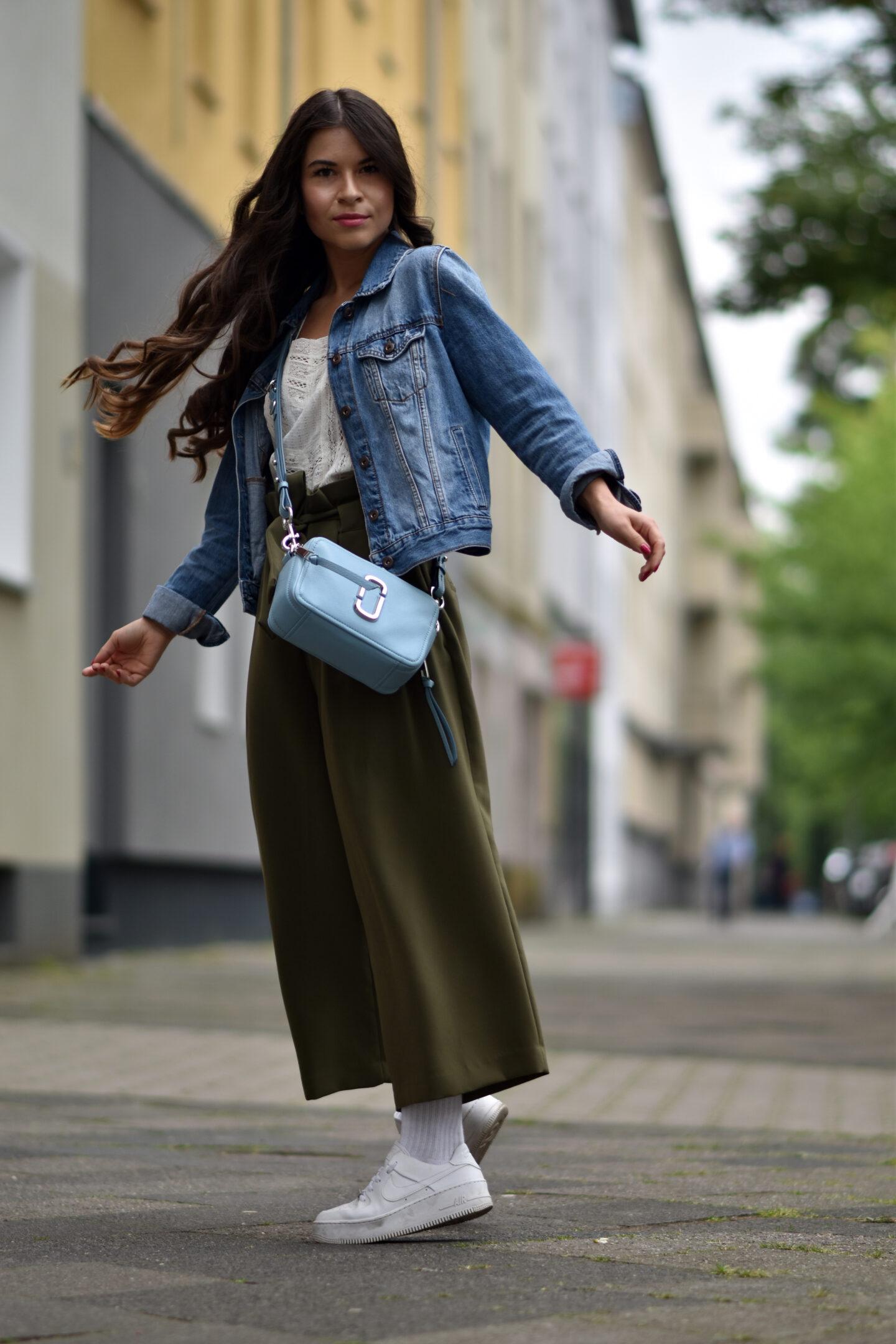 Streetstyle mit Jeansjacke