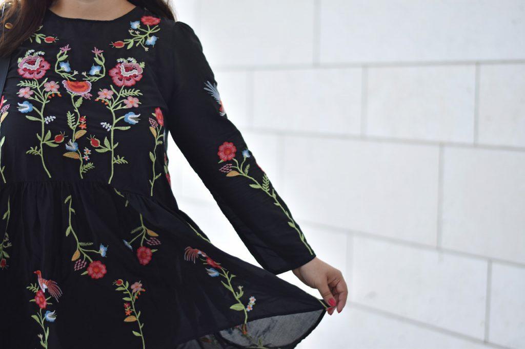 outfit ber trendteile wie das blumen kleid von zara. Black Bedroom Furniture Sets. Home Design Ideas