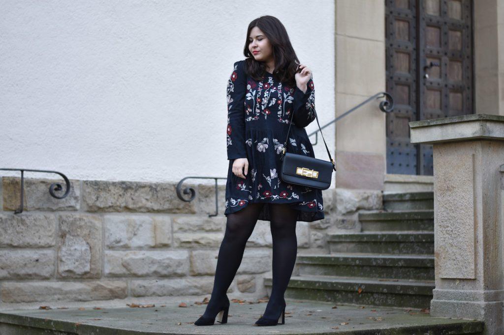 zara-blumen-kleid-outfit-tina-carrot